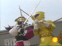 Jindrax has it out with the Yellow Ranger